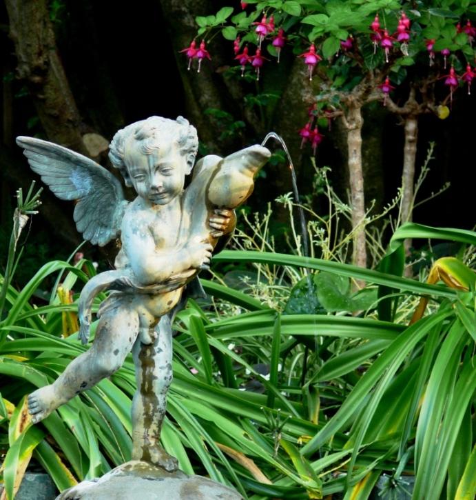 statue in van dusen gardens