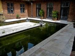 Inner courtyard of Strode House.