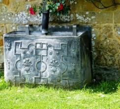 Lead patterned water tank