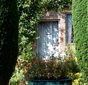 cottage garden with laundry copper