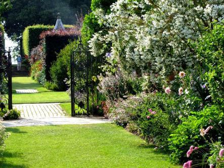 Sundial Garden Rooms Trivago