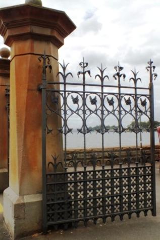 Queen Elizabeth Gate