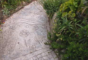 Floral paving