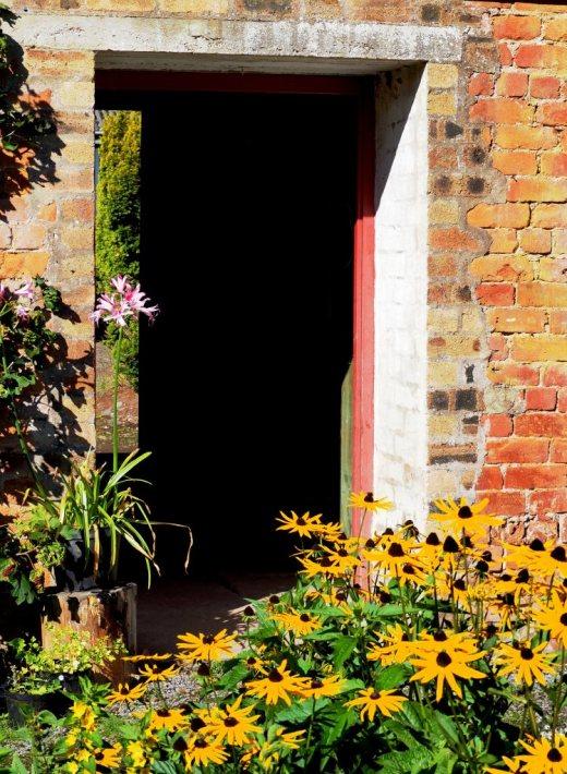 Enticing doorway